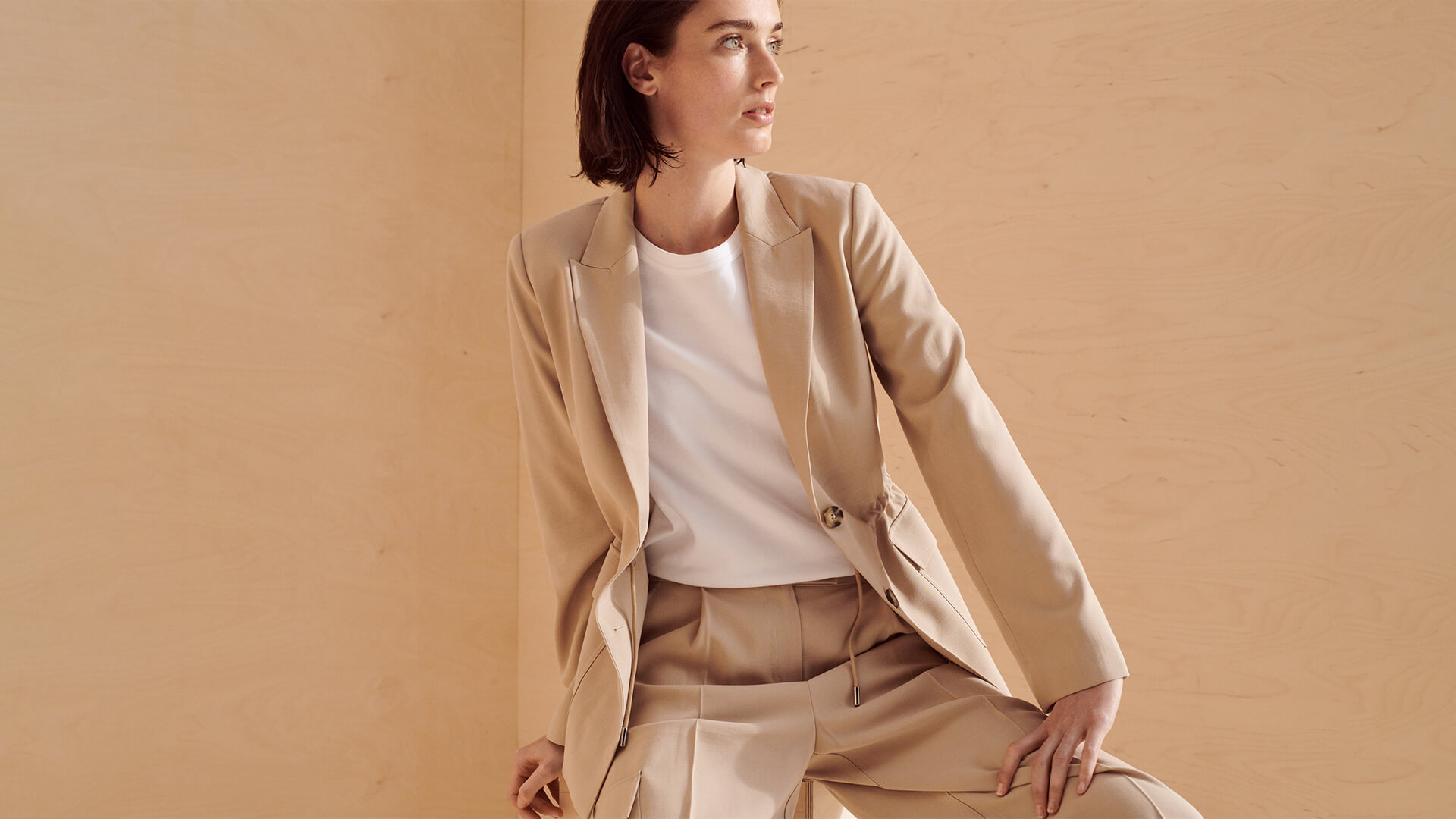 Beiger-utility-blazer-beige-hose-someday-fashion